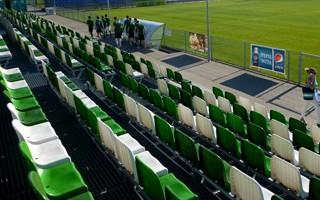 Poznań: Będą lampy na stadionie Warty