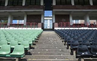 Jastrzębie-Zdrój: Nowe krzesełka już na stadionie