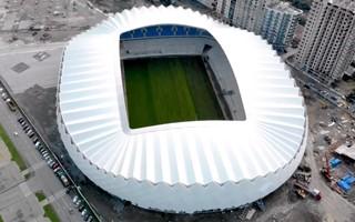 Gruzja: Stadion w Batumi pół roku przed terminem
