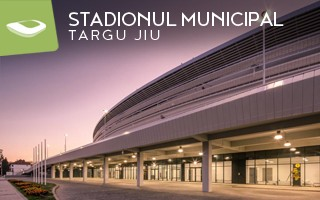 Nowy stadion: Spóźniony o dwa lata, ale dotarł