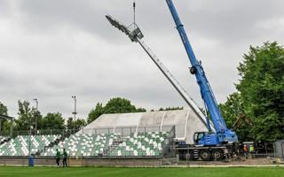 Poznań: Maszty postawione w 5 godzin