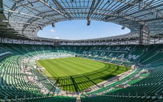 Epidemia COVID-19: Rząd otwiera stadiony bardziej niż chciał PZPN