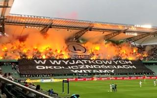 Ekstraklasa: W sumie 17 tysięcy osób na trybunach