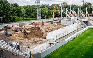 Łódź: Czwarta trybuna rośnie, wciąż wyprzedzają terminy