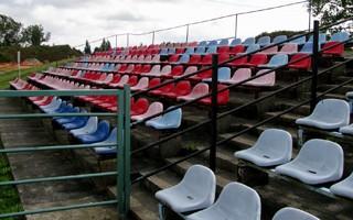 Kto udźwignie futbol w dobie zamkniętych stadionów?