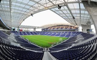 Finał Ligi Mistrzów: Nie Stambuł, nie Londyn – finał w Porto