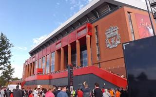 Anglia: Bolesny falstart Liverpoolu, chaos pod kasami